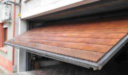 Porton basculante madera